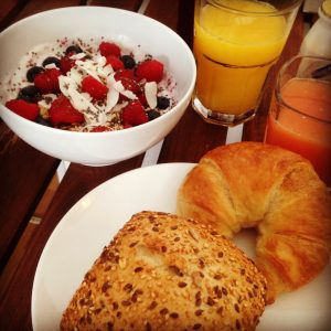 Egal wie knapp die Zeit am Morgen scheint, ein ordentliches Frühstück ist ein Muss!