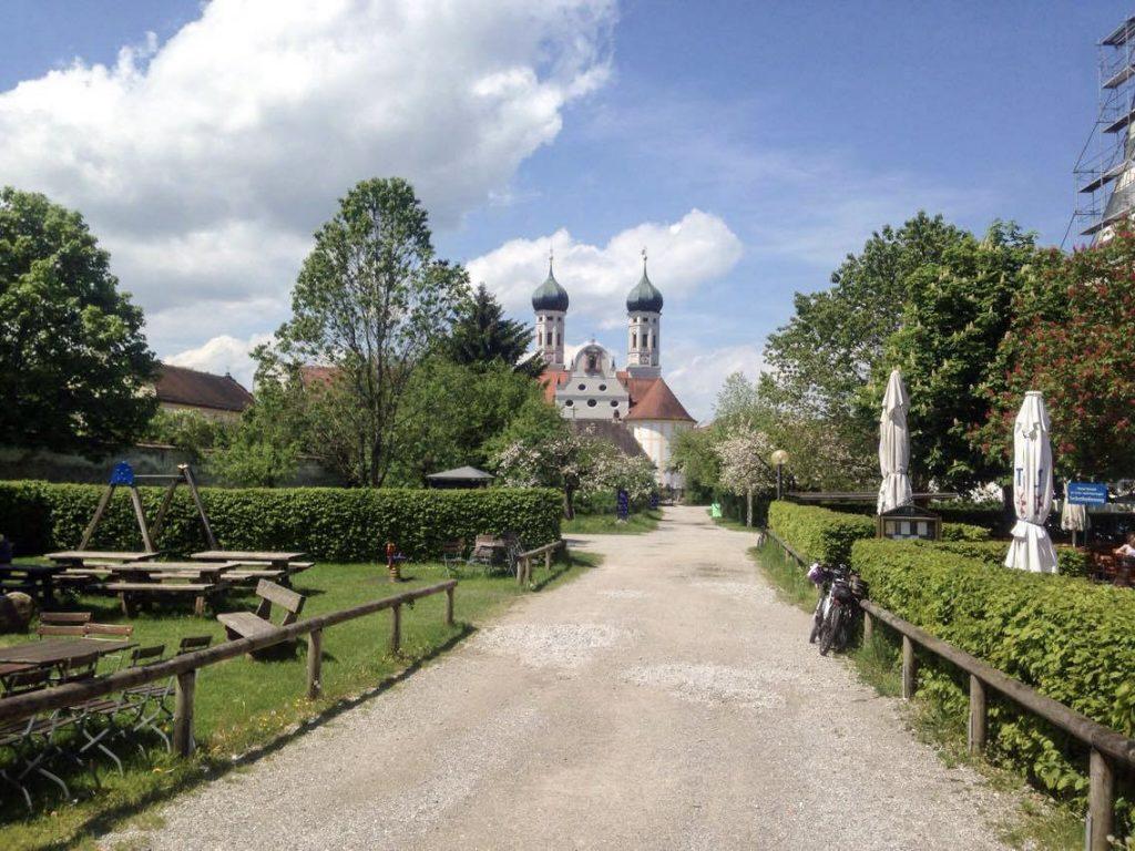 Kloster Benediktbeuern Biergarten Idylle