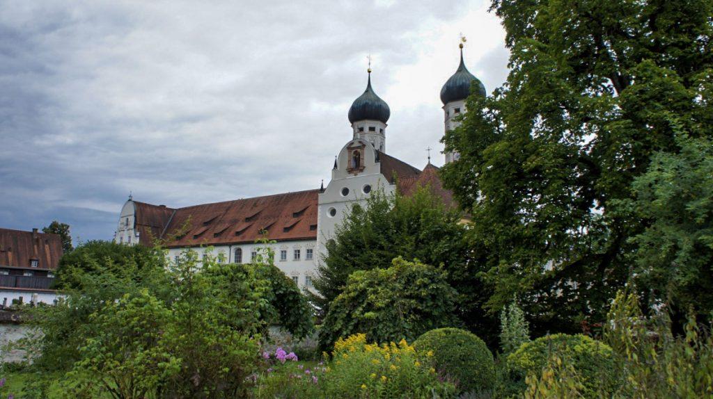 Kloster Benediktbeuern Garten Grün Natur