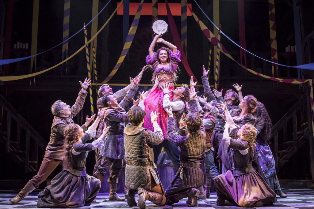 GloecknerVonNotreDame_DeutschesTheaterMuenchen_2017___TAMBOURINE_Sarah_Bowden_as_Esmeralda_-_Photo_Johan_Persson___c_Disney