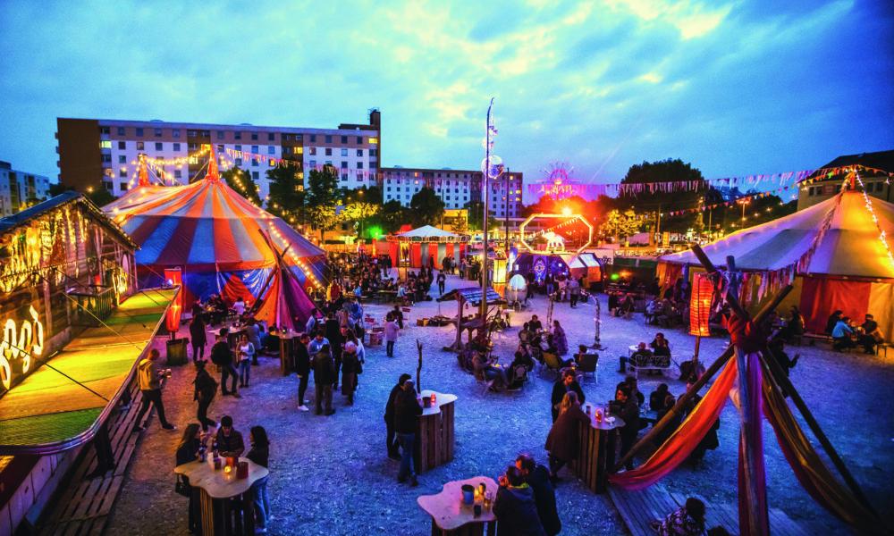 aussergewoehnlichsten_schoensten_Weihnachtsmaerkte_Muenchen_Weihnachtsmarkt_Maerchenbazar_Leonrodplatz